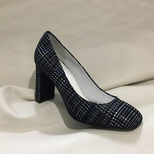 Blue glen check pumps